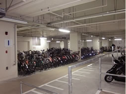 長岡駅大手口地下自転車駐車場